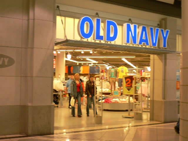Old Navy brings fashion fun to the whole family: from trendy threads to trusty basics, for newborns through adults, all at prices that are oh-so-right/10(49).